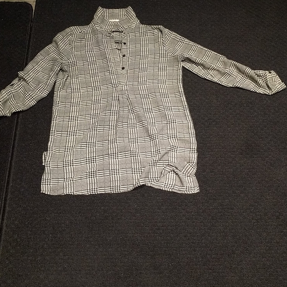 Blouse by pleione